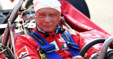 Niki Lauda hayatını kaybetti!