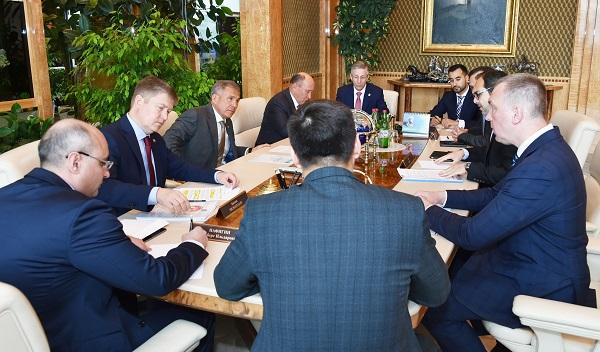 Tataristan Cumhurbaşkanı Anadolu Efes Şirketi yetkilileri ile işbirliği konularını görüştü