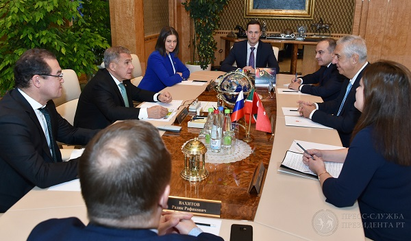 Tataristan Cumhurbaşkanı Türkiyenin Kazan Başkonsolosu ile görüştü